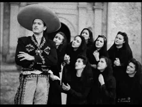 María Luisa siempre lo acompañaba a ver sus actuaciones.En la vida de Pedro hubo tres amores, tres mujeres que fueron todo para él. A las tres amó intensamente y en ningún momento perdió su relació…