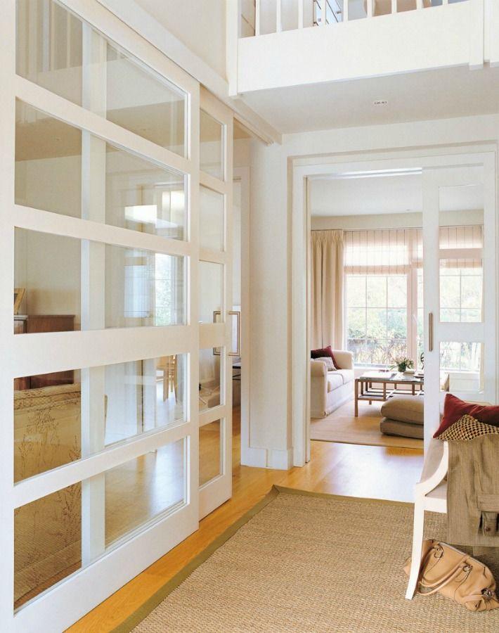 Me gustan las puertas Corredera acristaladas. Que circule la luz, sensación de espacios más amplios y abiertos.
