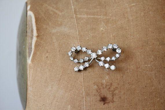 vintage rhinestone bow brooch / 30s 40s by livinvintageshop