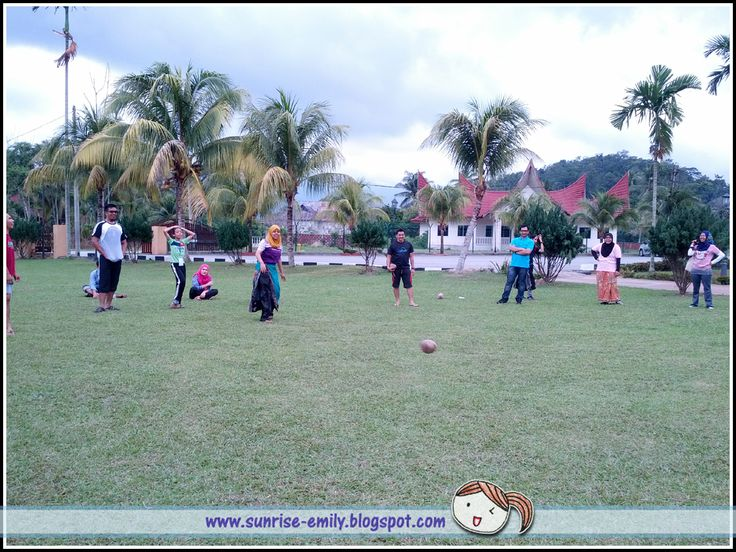 Seri Menanti Resort-Bowling with coconut