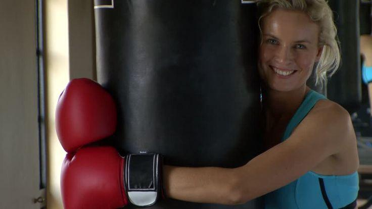731066014-sacco-boxe-guanto-da-boxe-pugilato-femminile-allenamento-generico.jpg (960×540)
