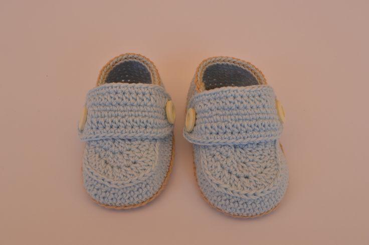 Mocasines de crochet hechos a mano  https://www.etsy.com/es/listing/198284570/zapatos-de-bebe-hechos-de-crochet-estilo?