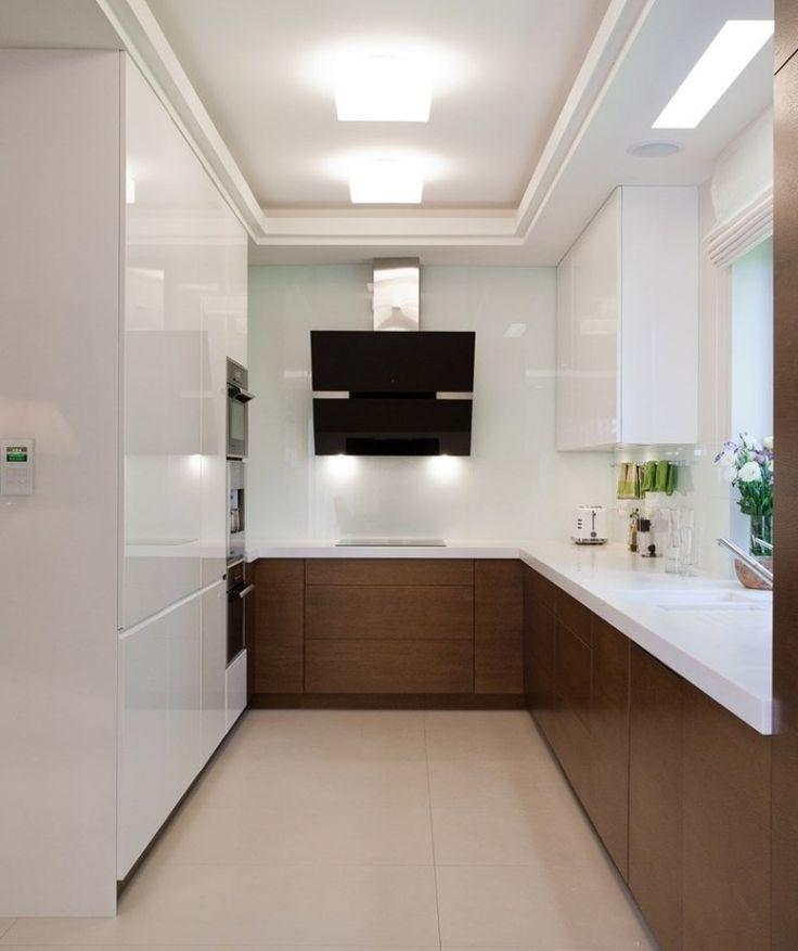 plan de travail cuisine blanc et armoires blanches et bois stratifié