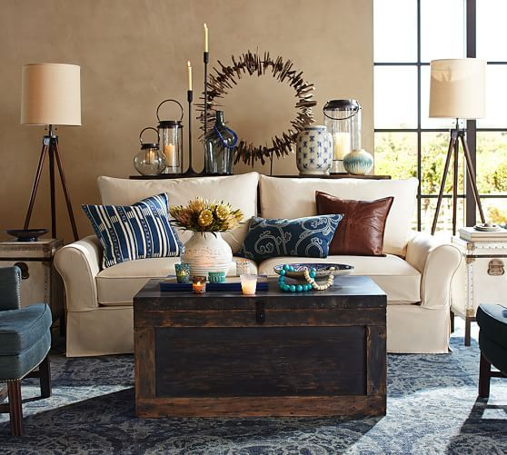 bosworth printed rug blue and trunk for living room