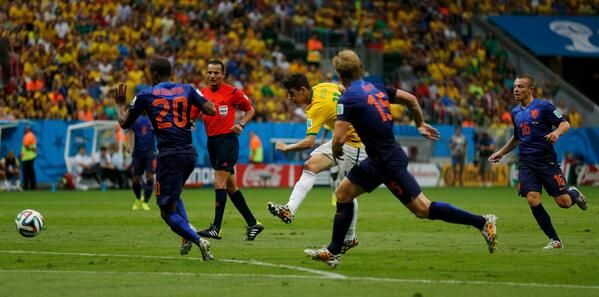 Detalhe do gol de Blind (foto: Ueslei Marcelino/Reuters) #trbrasil. 12/07/2014.