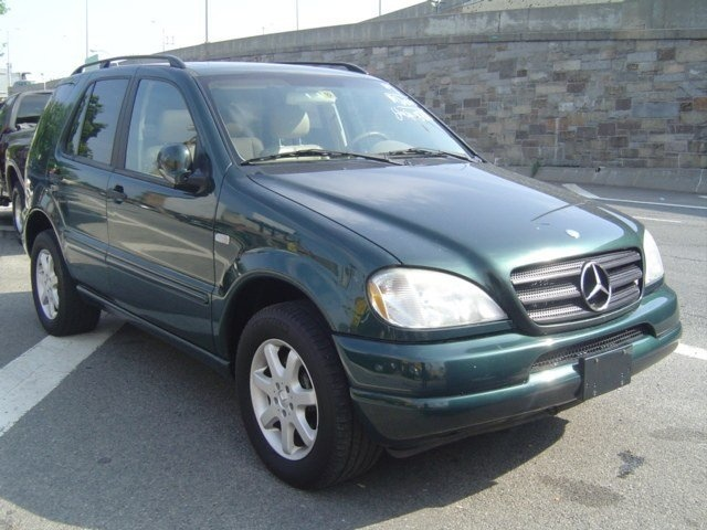 Best used car deals on mercedes benz used mercedes benz for Mercedes benz discounts