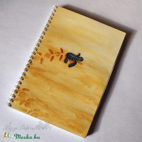 Teknős spirálfüzet lábnyomokkal #akvarell #füzet #művészet #teknős