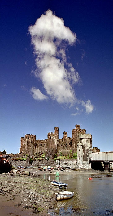Flying Dragon, Conwy Castle, Wales