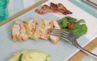 Pour un repas simple et original, découvrez la recette des roulés de poulet aux shiitakés et sauce aux olives façon pesto rosso.