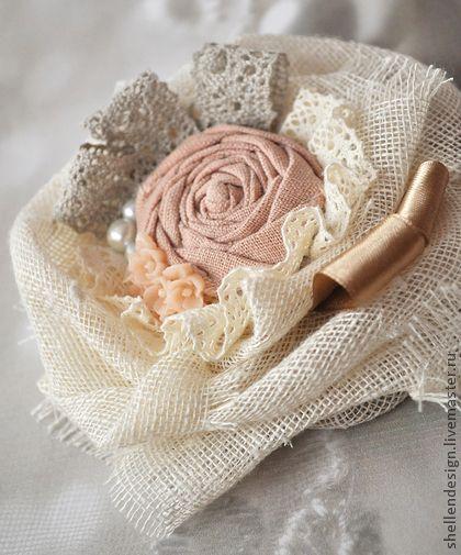 Брошь `Пастели`. Романтическая брошь выполнена из натуральных материалов, диаметр 13-14 см    Цена 30 евро.  Пересылка бесплатно.
