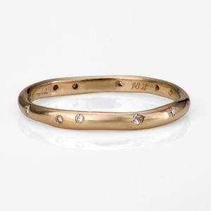 satomi kawakita- absolute perfection for a wedding band.: Simple Rings, Diamonds Rings, Eternity Rings, Wedding Bands, Organizations Diamonds, Diamonds Bands, Jewelry Rings, Dots Rings, Engagement Rings