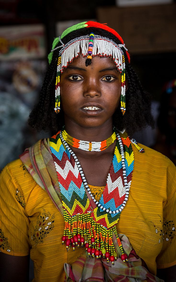 lifestyle of african people Of the people of africa compare and contrast various countries of the world how would your life be different if what role did family ties play in early african culture answer(s): families were the heart of village life.
