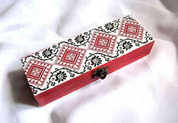 #Cutie #accesorii #femei, cutie #motive #tradiţionale #româneşti, #modele #geometrice şi #flori #stilizate / #Women's #accessories #box, traditional #Romanian box, #geometric #patterns and #stylized #flowers / #여성용 #액세서리 #박스, #전통 #루마니아 #상자, #기하학 #무늬 및 #양식화 #된 #꽃 http://handmade.luxdesign28.ro/produs/cutie-accesorii-femei-cutie-motive-traditionale-romanesti-29347/