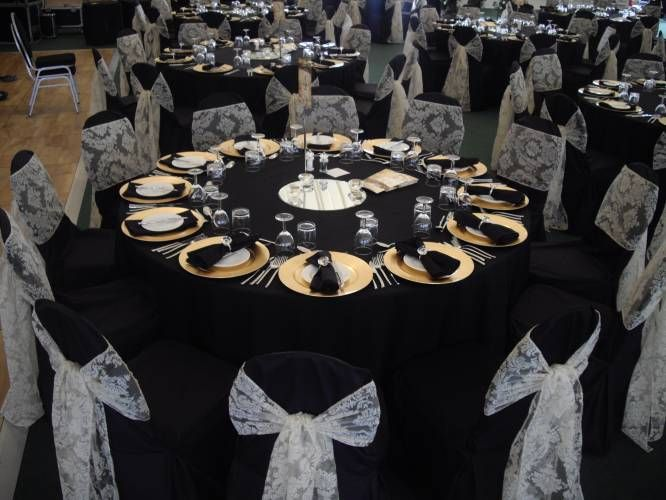 Black Table Cloth With Gold Charger Look And Black Napkins | Wedding Ideas  | Pinterest | Black Napkins, Gold Chargers And Weddings