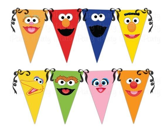 Banderines personalizados con rostros de personajes de Plaza Sésamo. #FiestasInfantiles