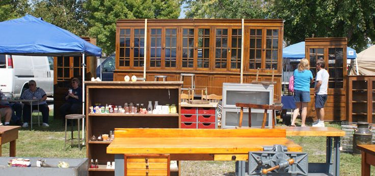 Springfield Ohio Antique Show & Flea Market - the Extravaganzas are held in May and September - don't miss them
