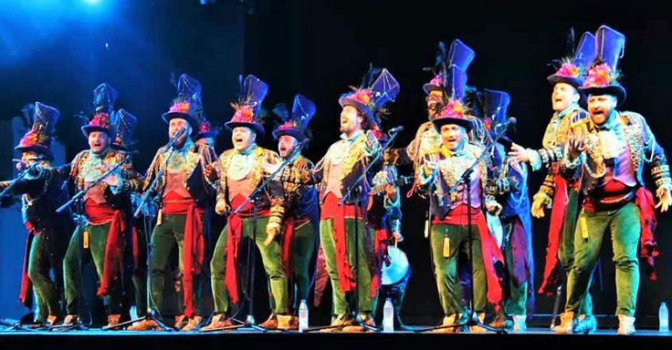 ALMUÑÉCAR.Se completó el aforo del auditorio del Parque del Majuelo en la V Noche Carnavalera con la Comparsa de Martínez Ares y la Chirigota del Bizcocho.