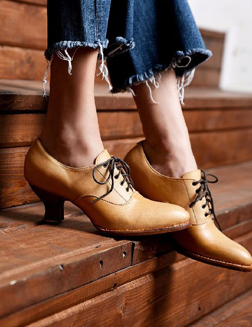 Victorian Style Oak Tree Farms Handcrafted Full Grain Leather Oxford Pump Shoes