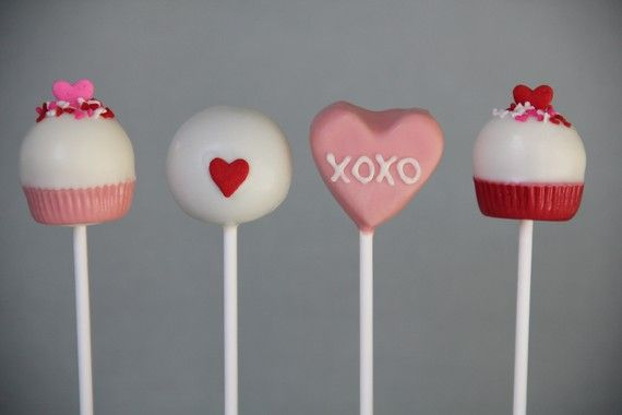 I'm a real sucker for cake pops (haha get it? sucker?) and these Valentine cake pops are as sweet as can be!