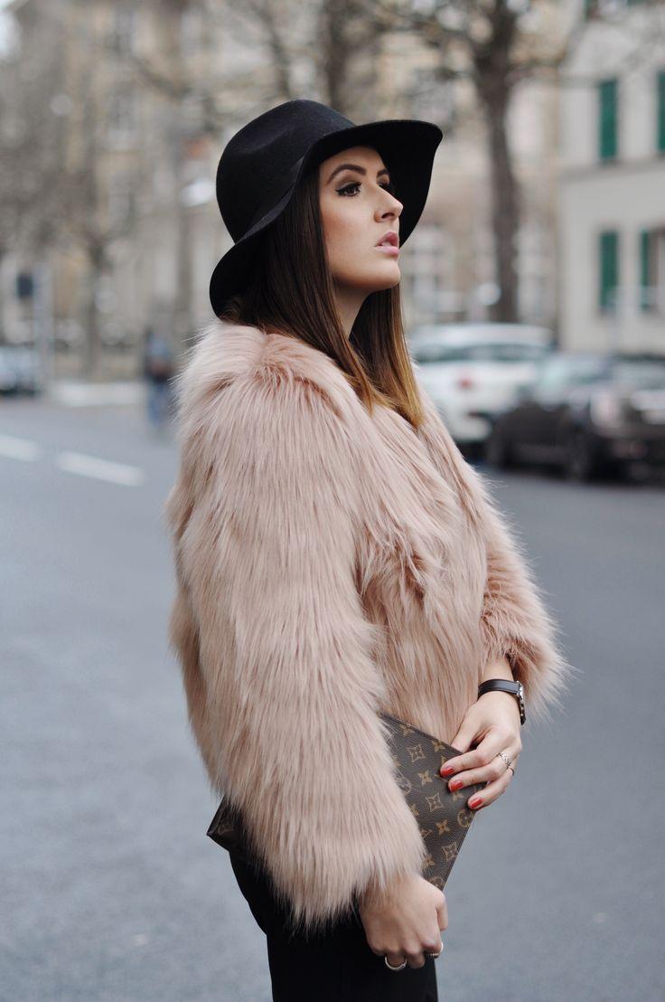 Faux Fur Jacket | Ivyrevel #revelista