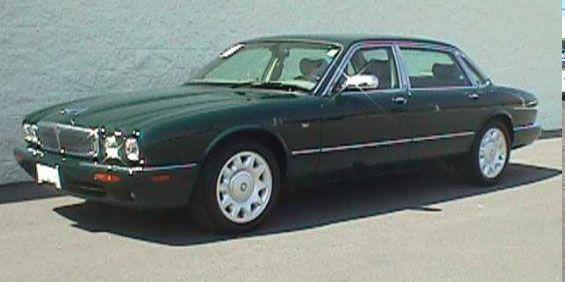 Jaguar Vanden Plas HE British Racing Green. Yum!