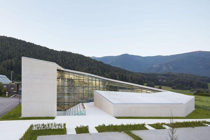 School Bouldering and Climbing Centre, Bruneck, 2015 - Stifter Bachmann