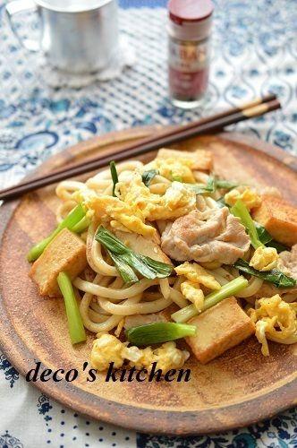 五香粉かおる、豚肉と厚揚げのタイ風焼きうどん by decoさん | レシピ ...