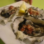 Oyster Seafood and Raw Bar: Raw and Unshucked