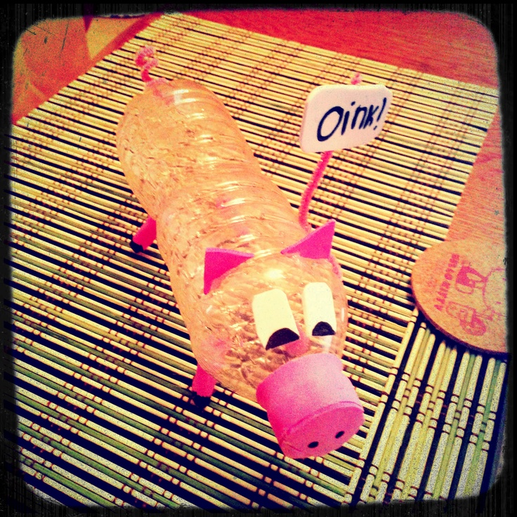 Water bottle pig. Fun crafts for the kids.