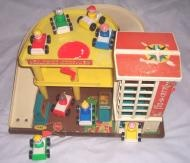 the vintage Fisher Price toys Play Family Action Garage, 930 from 1970.