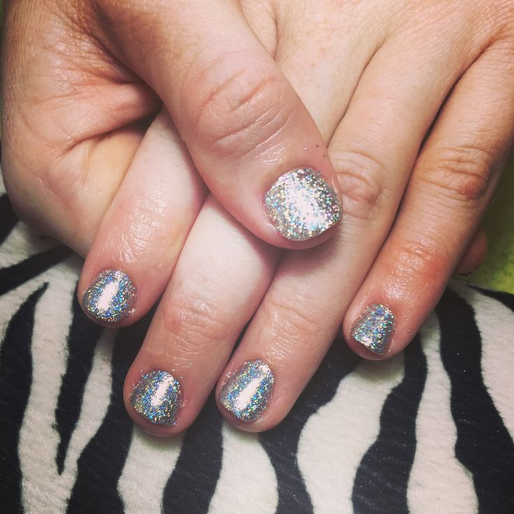 Holographic glitter nails 💅💖  . . . #holo #holographic #holographicglitter