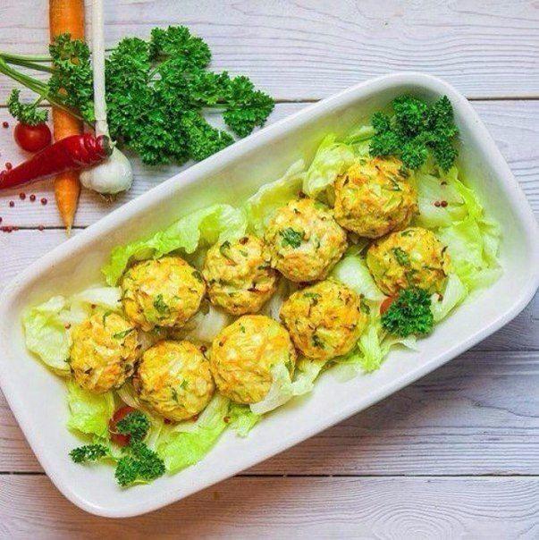 Диетический ужин: куриные шарики с овощами