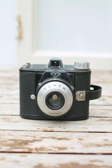 Nieuw in mijn Werk aan de Muur shop: Vintage fotocamera