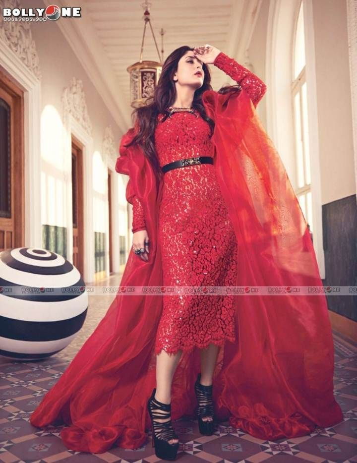 Sexyy Kareena Kapoor Poses for Vogue India Feb 2013