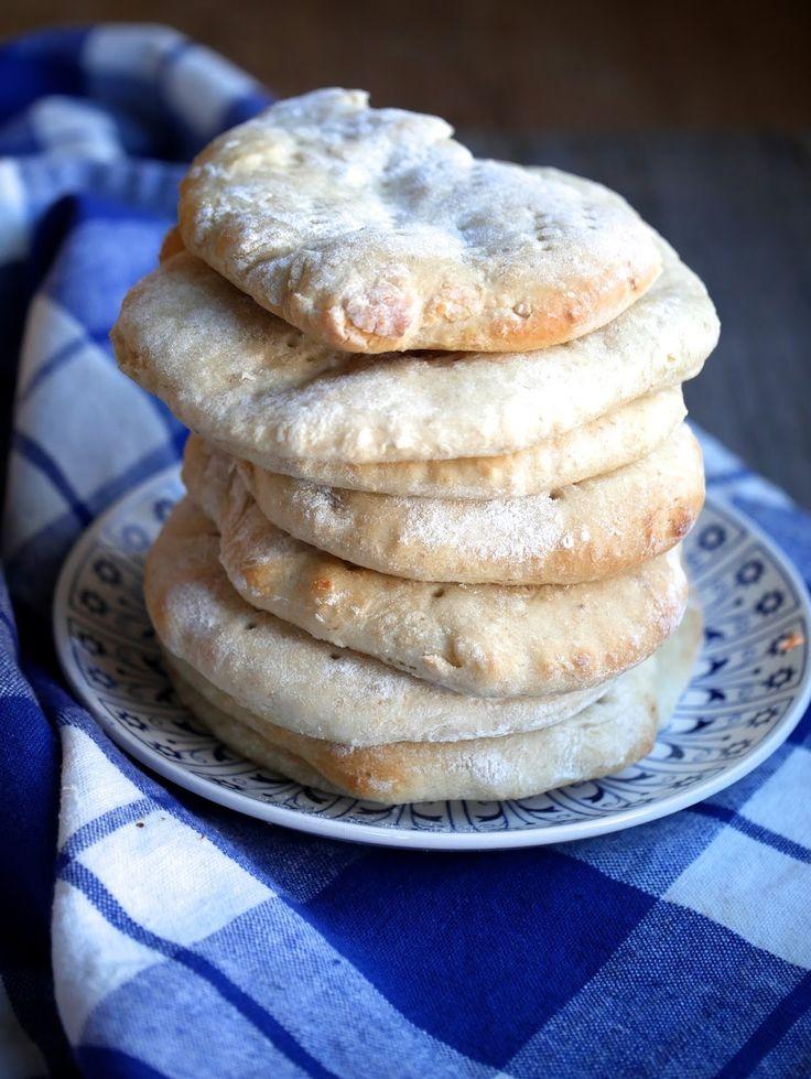Polarbrød har lenge stått på listen over ting jeg har lyst til å lage. En dag med noe skral brødboks ble det polarbrød til kvelds. Supergod...