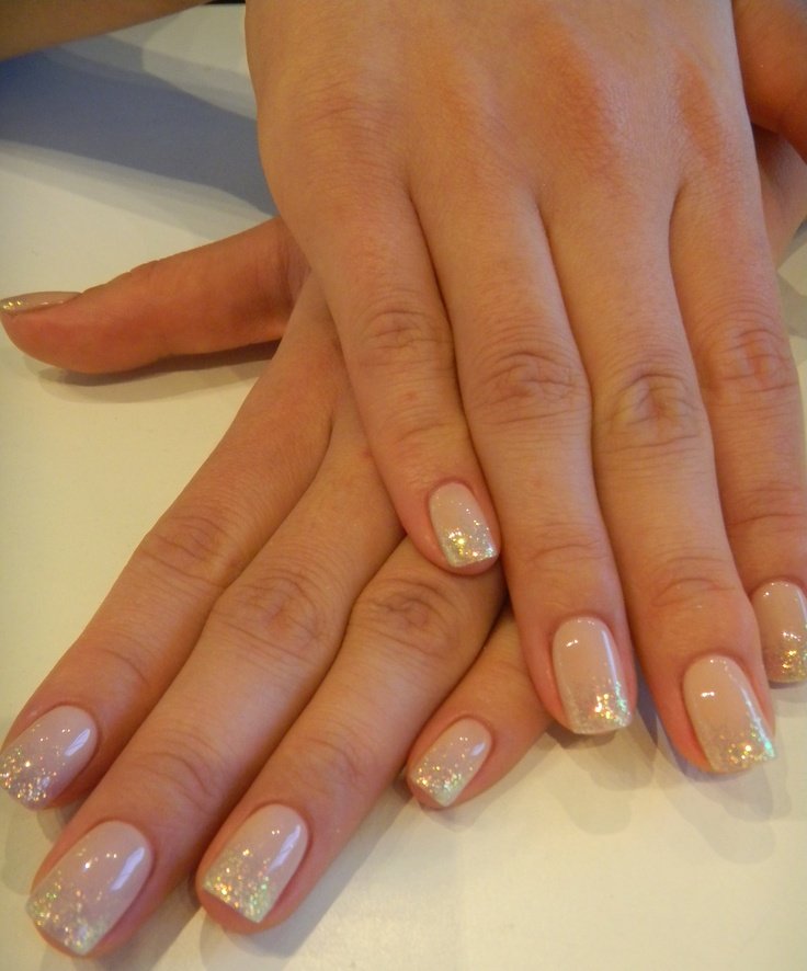 Cascading glitter down towards the centre creates a softer look with this neutral colour.  Bio Sculpture Gel #2093 - Ivory Beige