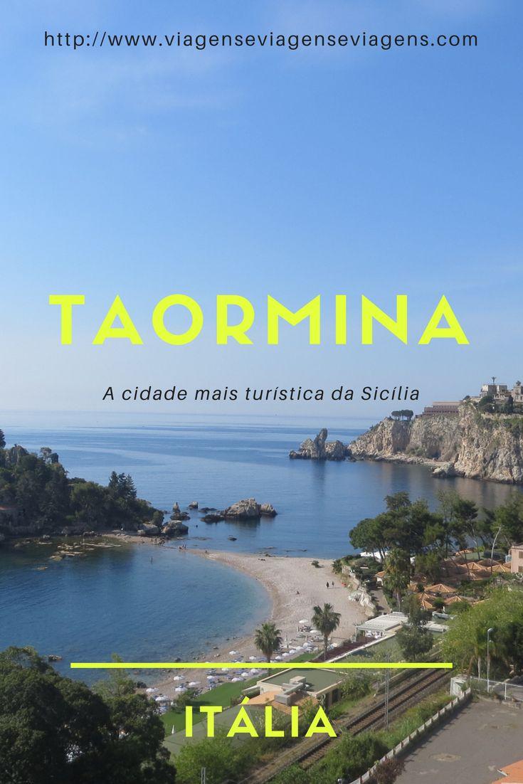 Taormina é uma das cidades mais turísticas da Sicília, na Itália. A cidade é maravilhosa, pois tem a cidade alta, toda medieval e a cidade baixa, com praias maravilhosas e águas cristalinas. Tudo isso com uma vista do Vulcão Etna. Incrível, não? Para ligar essas duas partes, tem o Funivia, o teleférico da cidade, de onde se tem vistas maravilhosas da região.