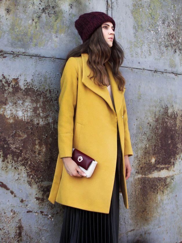 Eva – płaszcz z ozdobnym kołnierzem - Talia-Fashion - Płaszcze