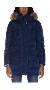 peuterey-piumino-lungo-regina-nks-a14-fur-ped1511 Dreams-store offre elegante piumino per uomo e donna, giacca invernale per uomo e donna e la giacca Colmar a prezzi accessibili. Sfoglia il nostro sito per maggiori collezioni!