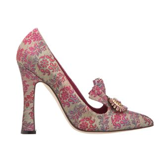 Olivia s Must-Have  Manolo Blahnik Printed Fabric Pump  ManoloblahnikHeels   6b37315fd779