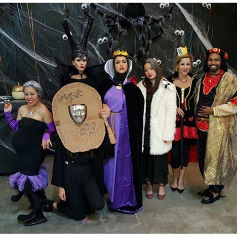 Pin for Later: Seht alle Halloween-Kostüme der Stars Jessica Alba als die böse Stiefmutter