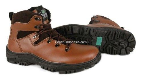 Sepatu boot TRK 16-13 adalah sepatu boot yang nyaman dan kuat...