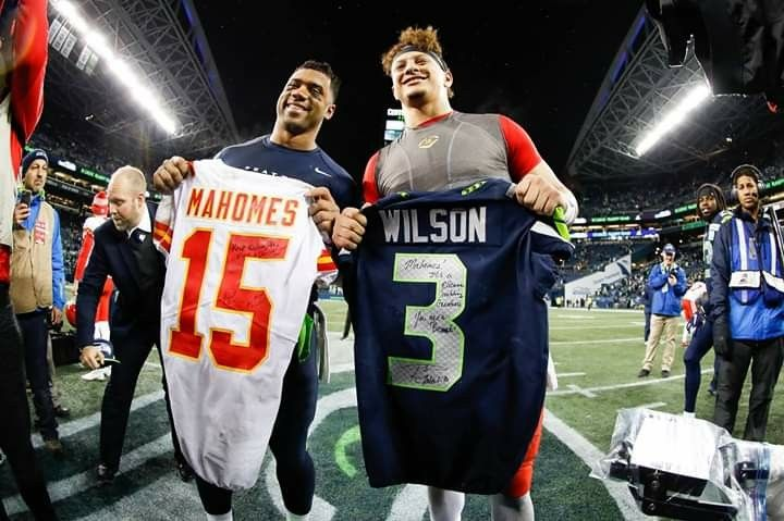 finest selection 6444d c0705 JERSEY EXCHANGE WILSON & MAHOMES DECEMBER 23 2018 CHIEFS V ...