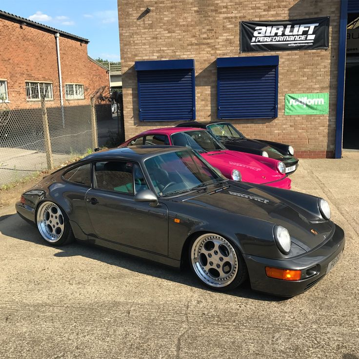 "Porsche 964 on 18"" Rotiform STR's and Airlift 3H suspension"