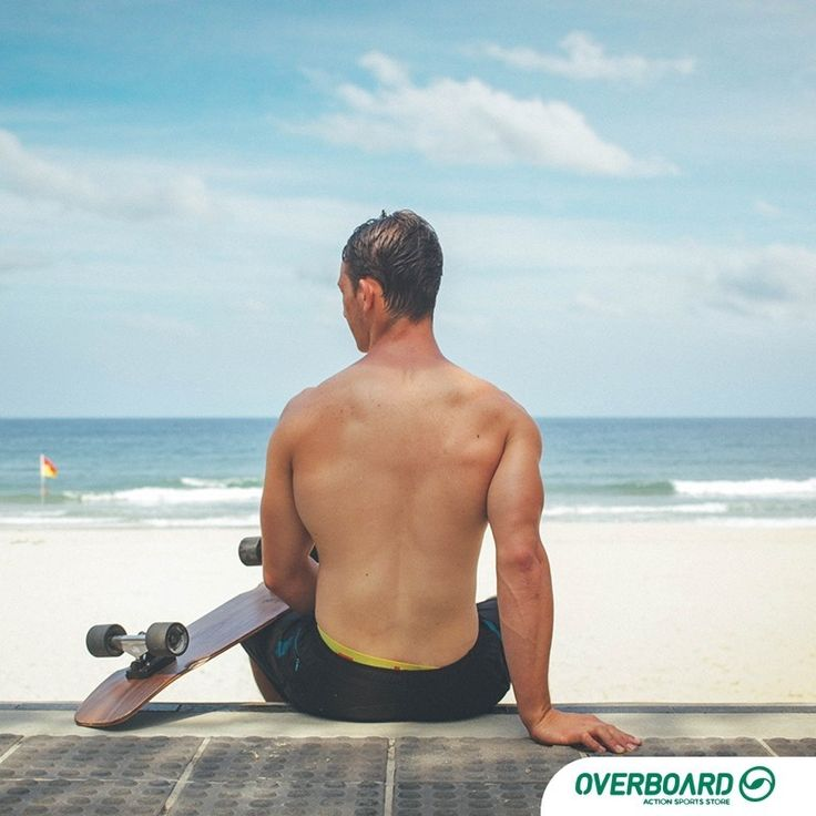 Não tenha medo de sair do roteiro, você só descobre novos caminhos quando muda a direção! 🍃🎈🌅 . . . #surf #praia #prancha #skateboardboarding #paradise #surflife #natureza #preservar #overboard #sol #crowd #surfar #prancha #ondas #surfers #skate