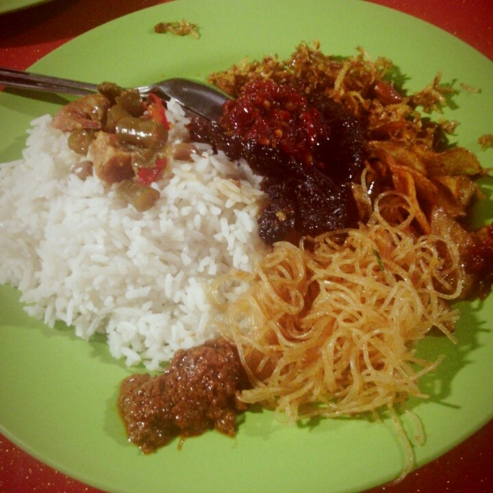 Nasi Campur Dendeng
