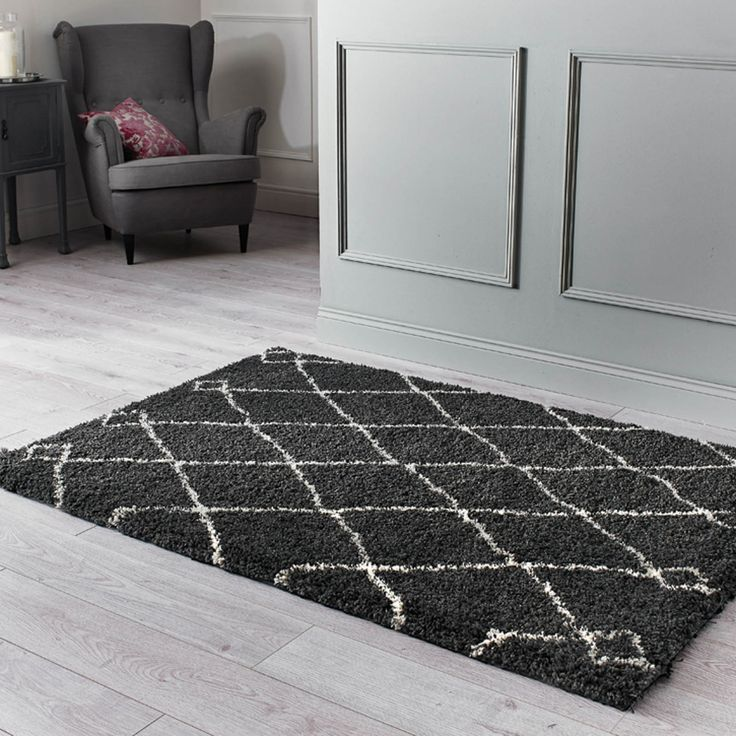 The Thick Yarns Feel Ultra Soft Underfoot And The Two Tone Design Is Available In Three Colour Options And Two Popular Si Modern Rugs Rugs Shaggy Rug