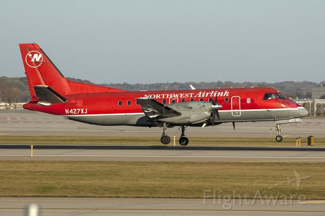 MES Saab 340 (N427XJ)
