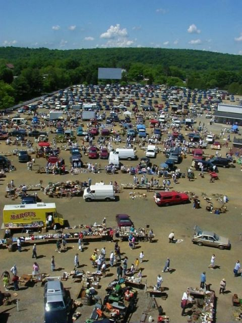 Location: Mansfield Center, CT Open: Year-round In addition to its drive-in theater, Mansfield also hosts a large outdoor flea market every Sunday.  For more info, visit Mansfield.