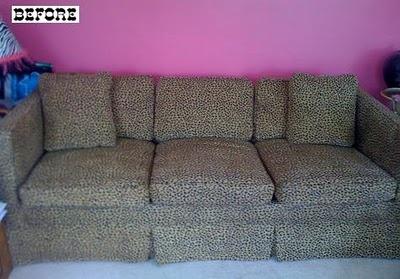 """Ideia pro meu sofá de courino preto, que ta todo arranhado pelos gatos. Essa foto de sofá pavoroso é o """"antes""""..."""